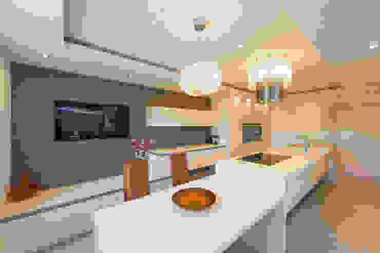 MR RIGBY'S KITCHEN Modern kitchen by Diane Berry Kitchens Modern