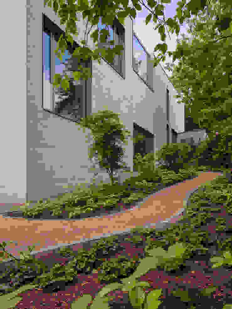 Gartenweg ARCHITEKTEN BRÜNING REIN Moderner Garten