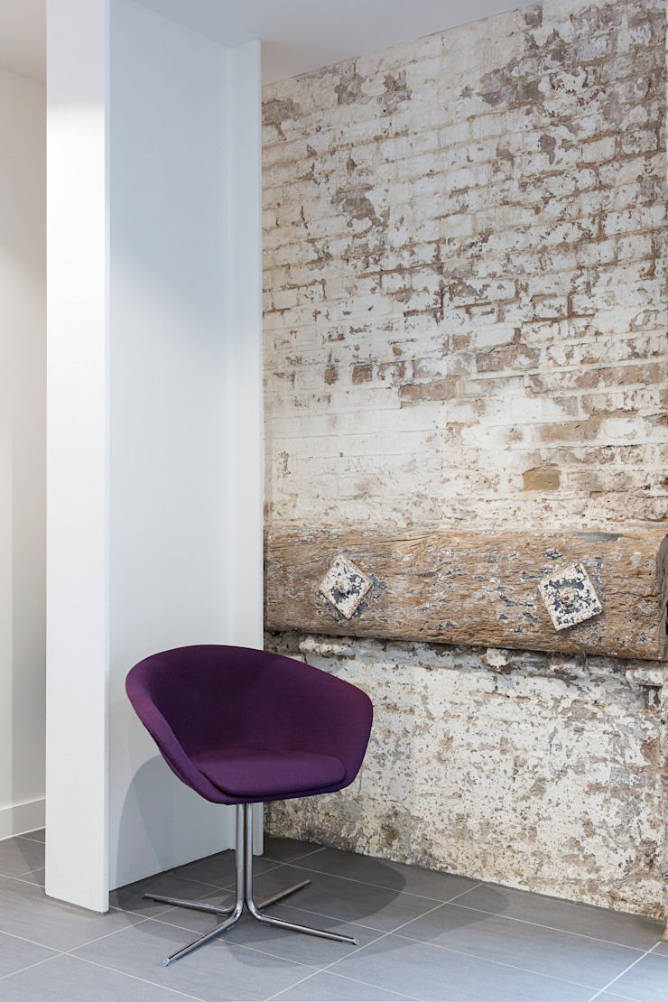 King's Cross Skills & Recruitment Centre: industrial  by Sonnemann Toon Architects, Industrial