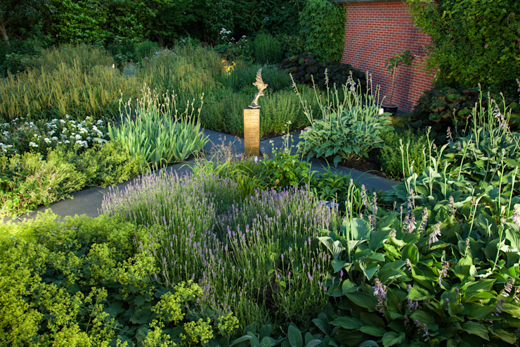 Rustic style garden by Gernell Hoveniers Rustic