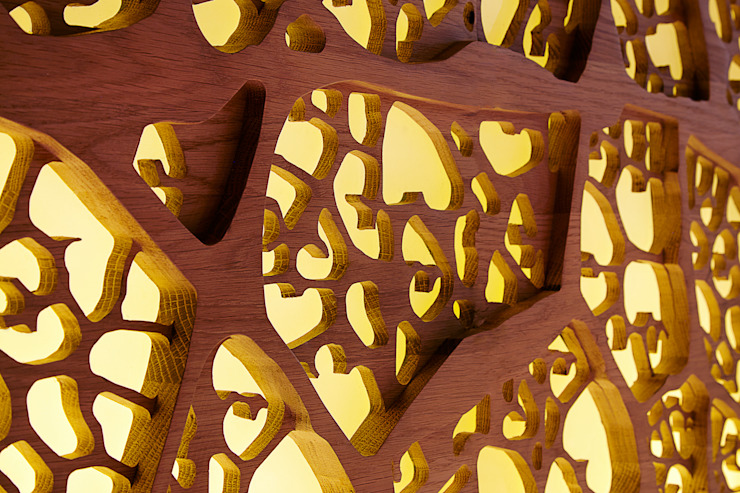 Detail of fret work od Fraher and Findlay Nowoczesny