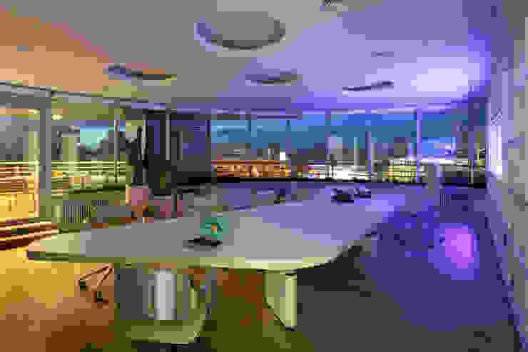 Коралловый сад Офисные помещения в эклектичном стиле от FABER GROUP Эклектичный