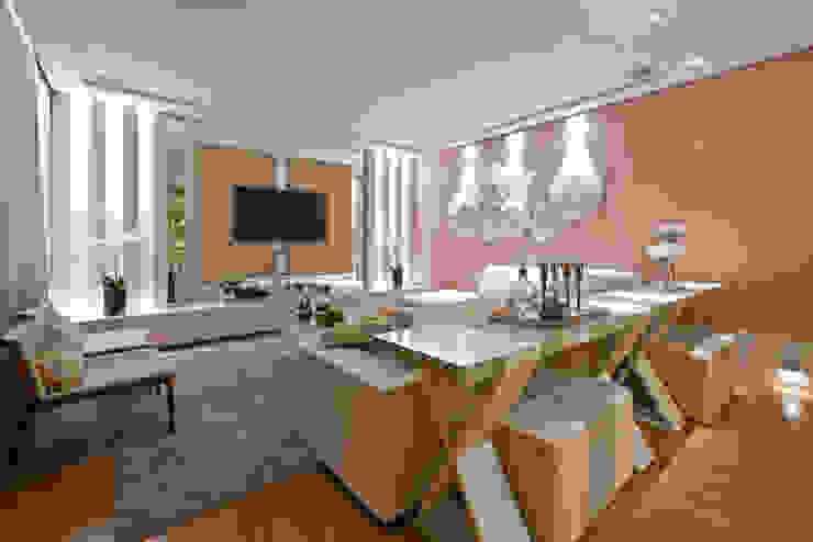 Rolim de Moura Arquitetura e Interiores 现代客厅設計點子、靈感 & 圖片