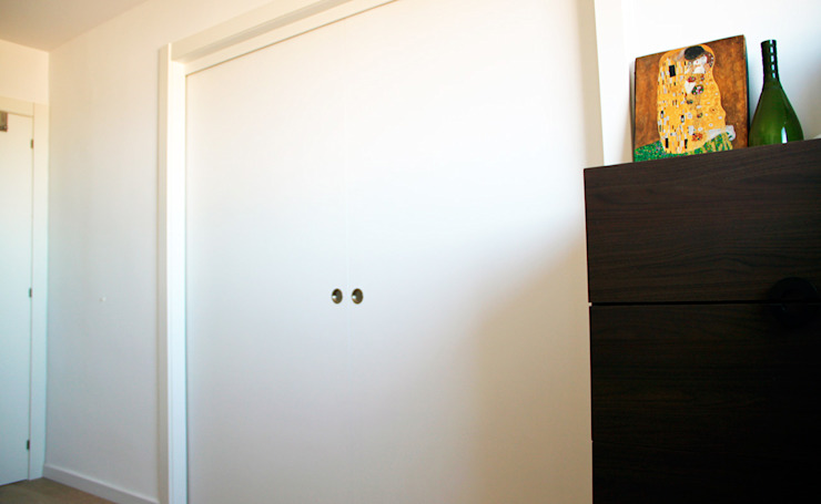 Salas Arquitectura+Diseño モダンな 壁&床