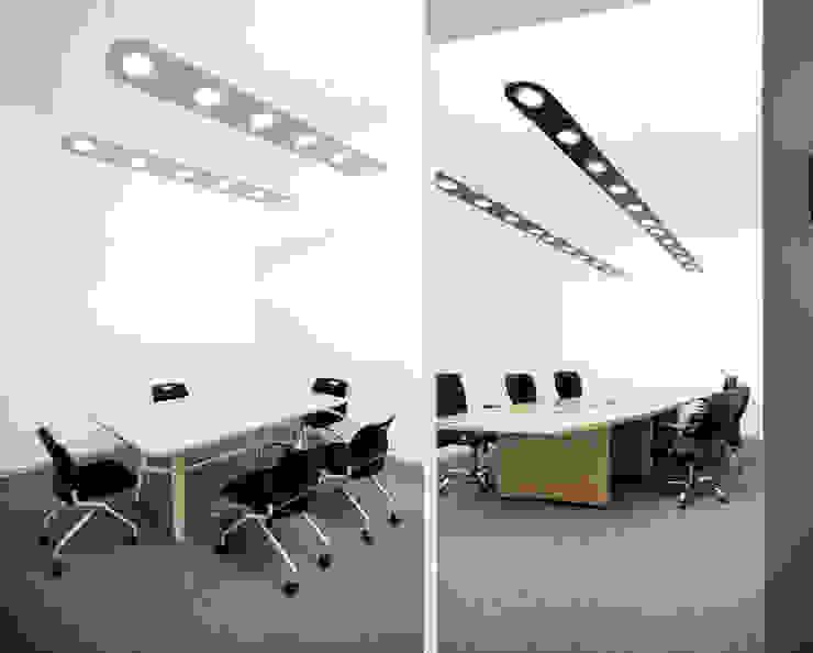50 оттенков белого Офисные помещения в стиле минимализм от Concrete jungle Минимализм