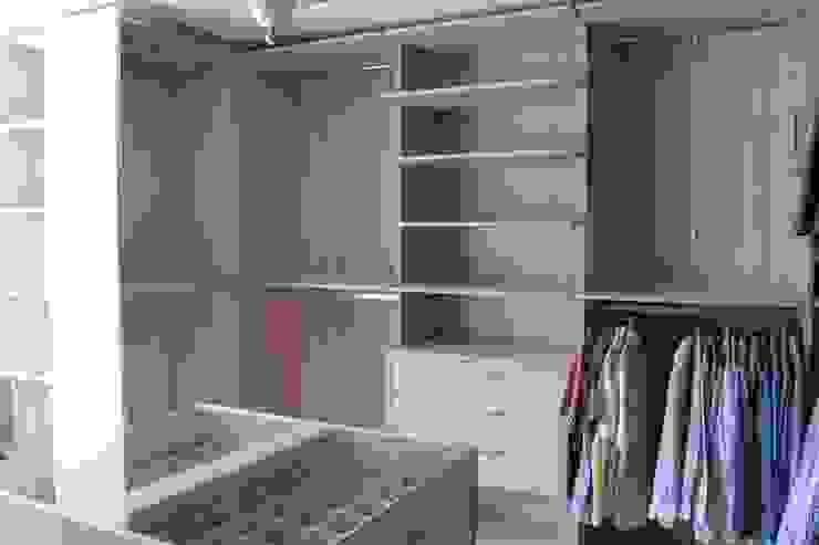 Modern dressing room by DETAYPLUS MOBİLYA Modern
