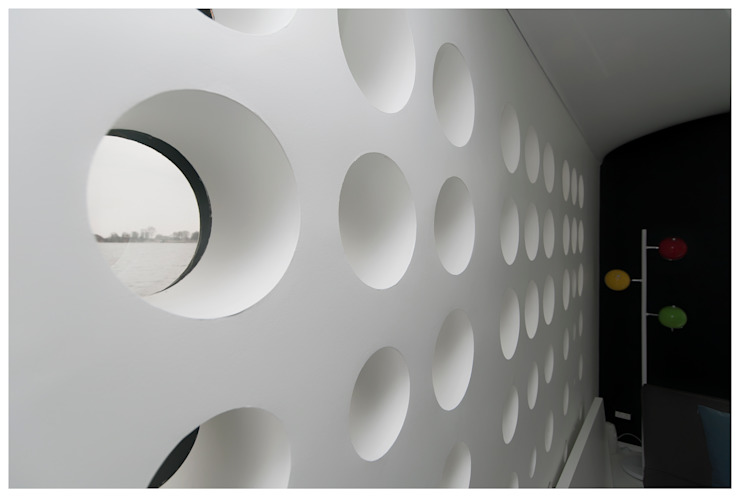 Domy na wodzie Nowoczesne ściany i podłogi od floatinghouses Nowoczesny
