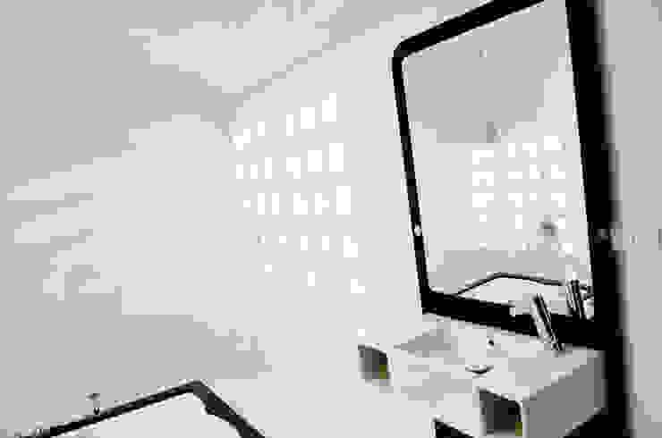 Domy na wodzie Nowoczesna łazienka od floatinghouses Nowoczesny