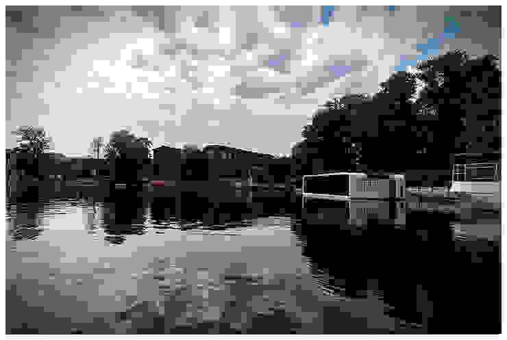 Domy na wodzie Nowoczesne domy od floatinghouses Nowoczesny