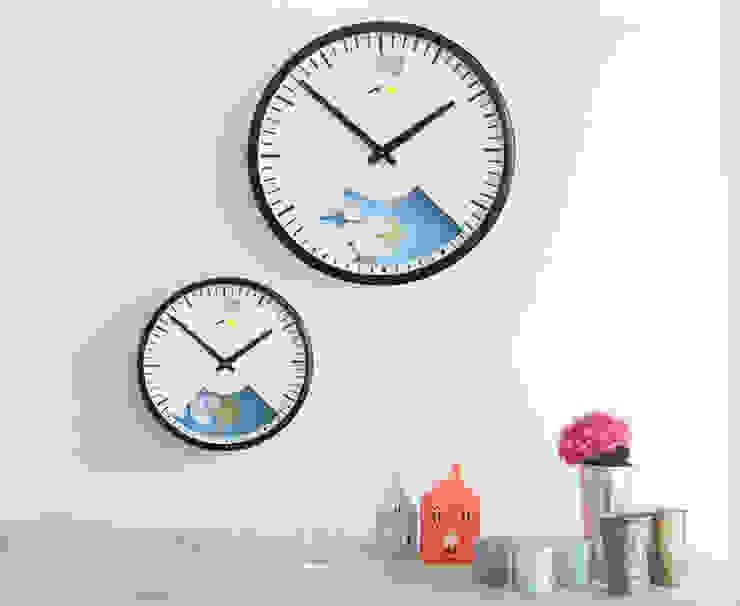 Lovebird barometer clocks de homify Moderno