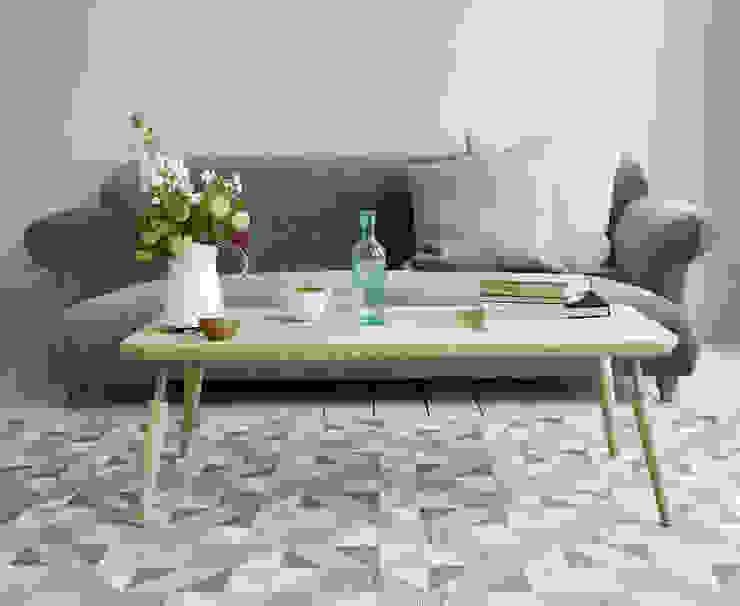 Hobble coffee table di homify Moderno Legno Effetto legno