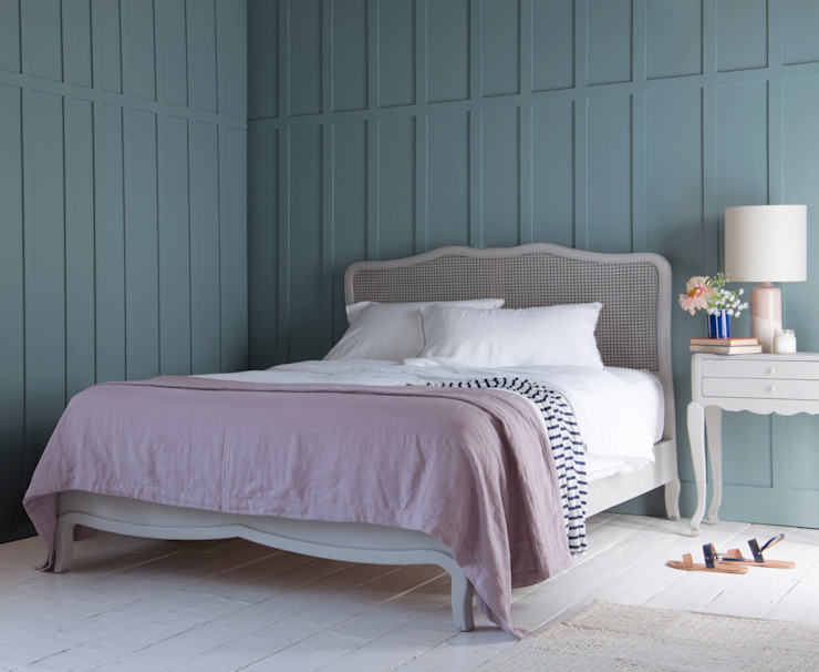 Margot bed in scuffed grey de Loaf Moderno Madera Acabado en madera