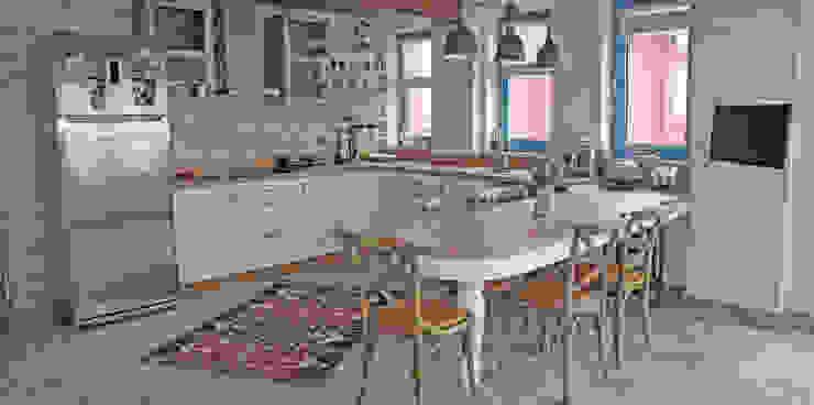 現代廚房設計點子、靈感&圖片 根據 Bilgece Tasarım 現代風