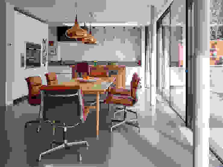 Cozinhas  por ReDesign London Ltd, Moderno