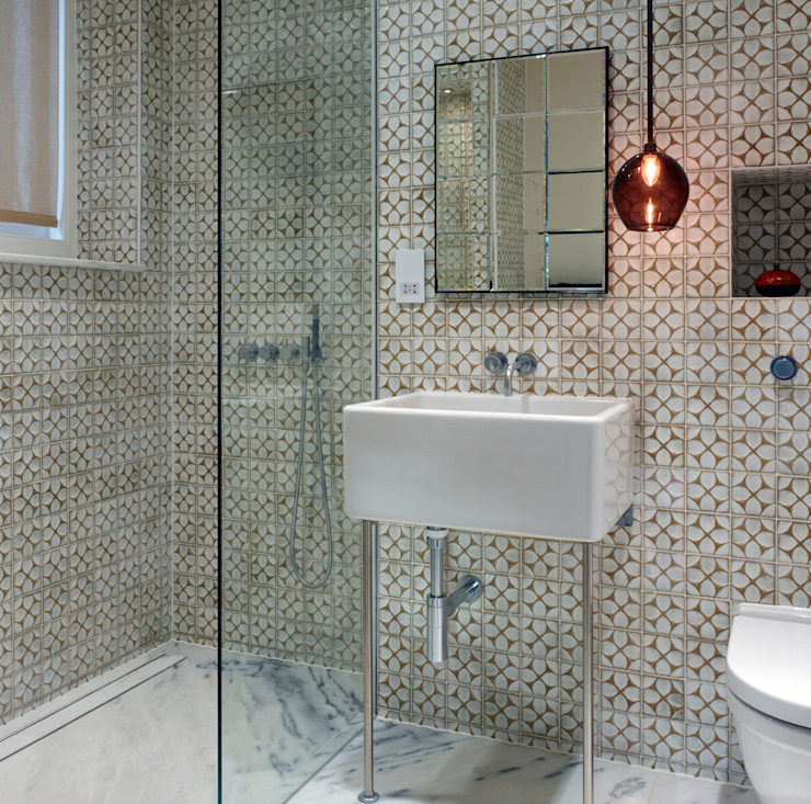 Baños de estilo  por ReDesign London Ltd, Moderno
