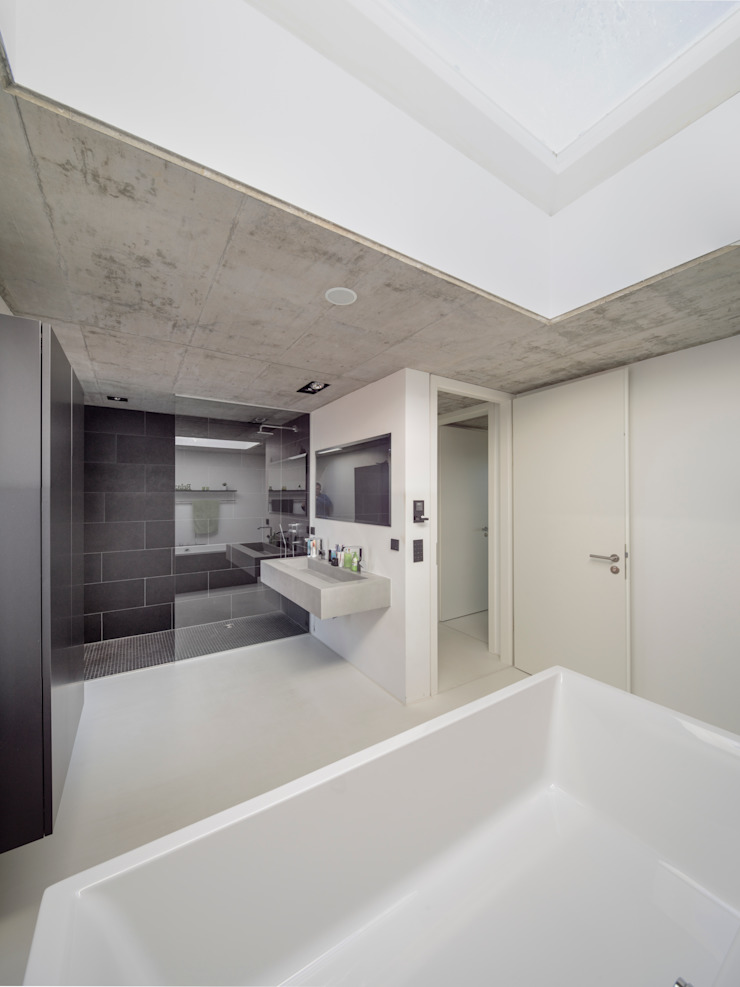 โดย Schiller Architektur BDA โมเดิร์น
