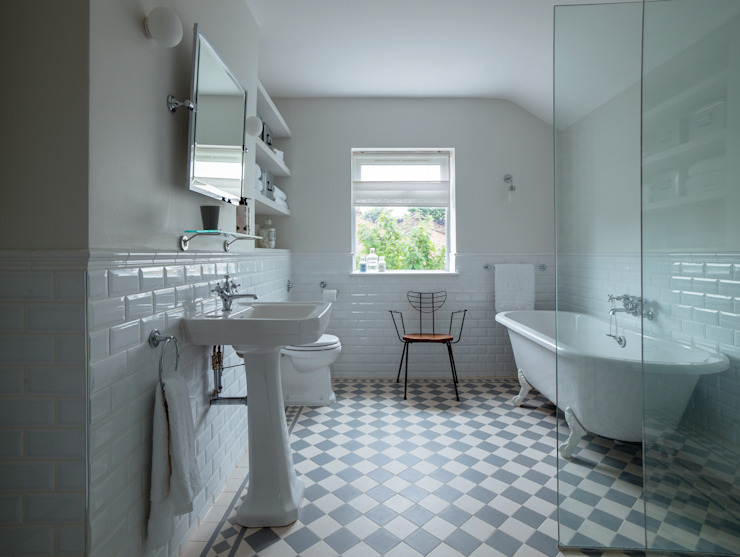 Bathroom من homify حداثي