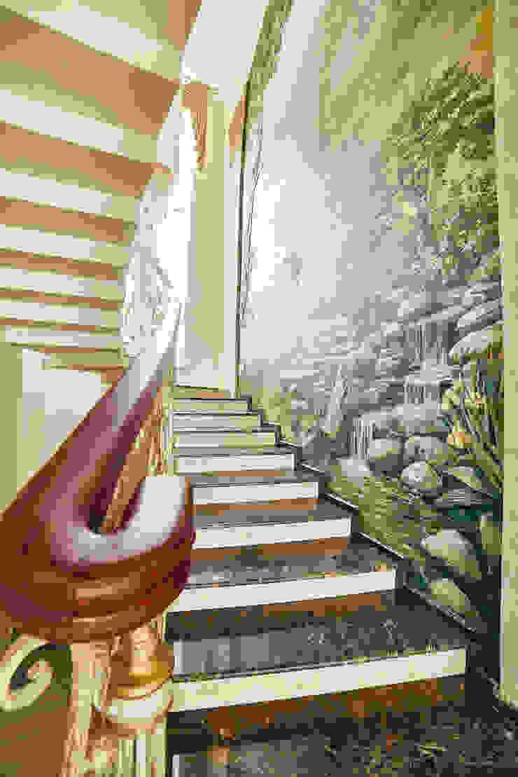 ООО 'Архитектурное бюро Доценко' Classic style corridor, hallway and stairs
