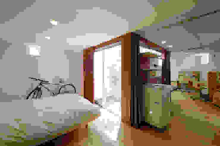 秦野の家 ミニマルスタイルの 寝室 の 萩原健治建築研究所 ミニマル