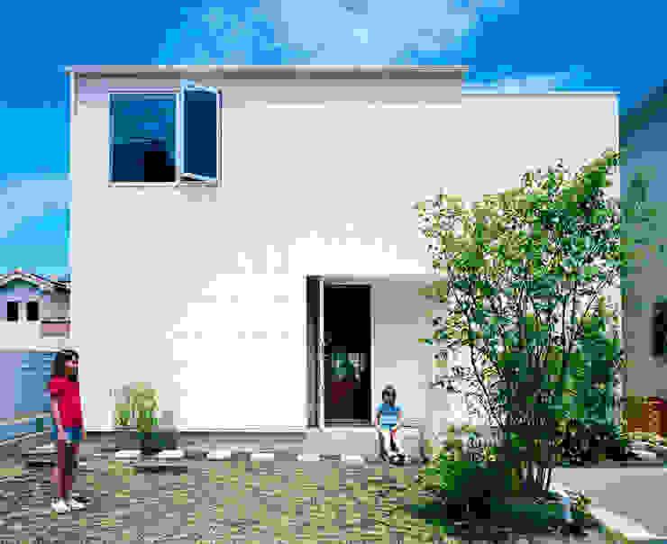 Дома в стиле минимализм от 萩原健治建築研究所 Минимализм