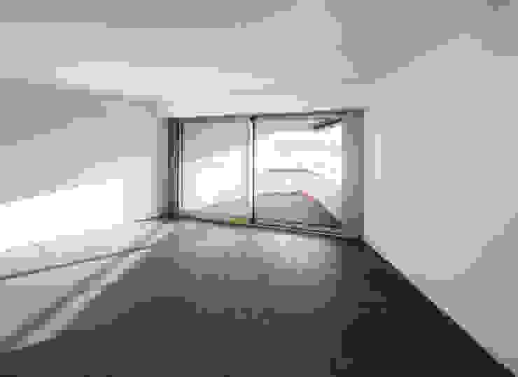 Mehrfamilienhaus 'Flair' in Herrliberg Moderne Wohnzimmer von AMZ Architekten AG sia fsai Modern