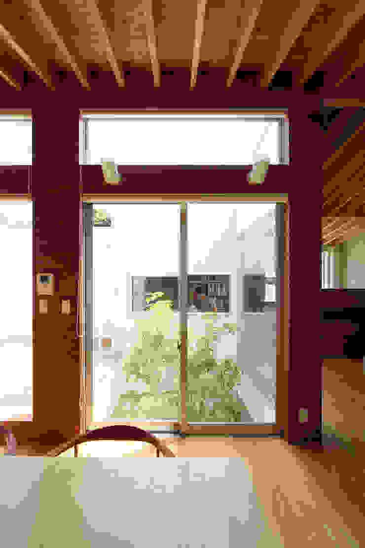 Minimalist style garden by 萩原健治建築研究所 Minimalist