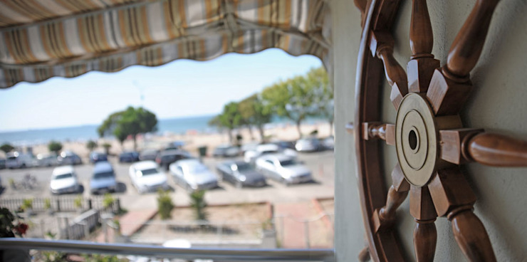 Sema & Harun Gökbayrak Modern Balkon, Veranda & Teras Bilgece Tasarım Modern