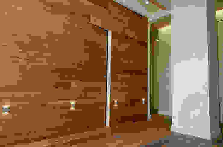 Moderne muren & vloeren van Semplicemente Legno Modern Hout Hout
