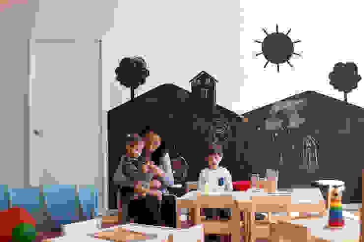 Residencial Vivalto: Recámaras infantiles de estilo  por Grupo Nodus Arquitectos, Moderno