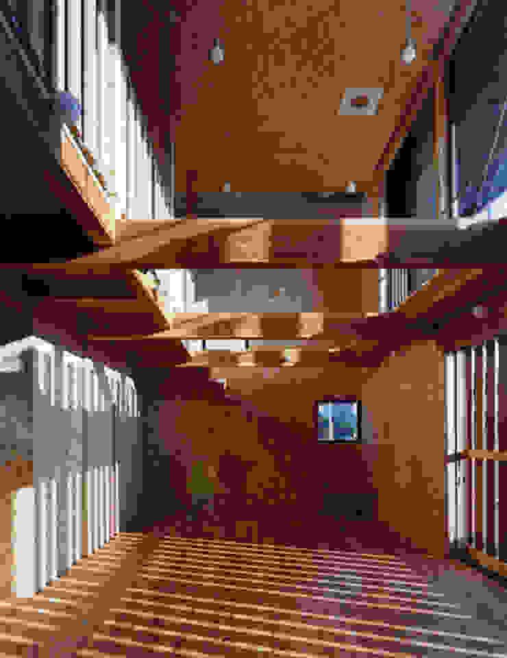 土管の家 オリジナルデザインの リビング の Y's建築工房 一級建築士事務所 オリジナル