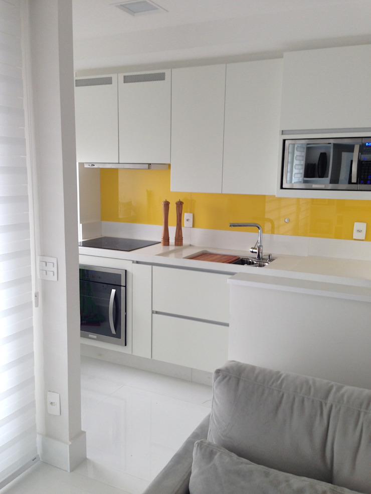 Adriana Fiali e Rose Corsini - FICODesign Modern kitchen Yellow