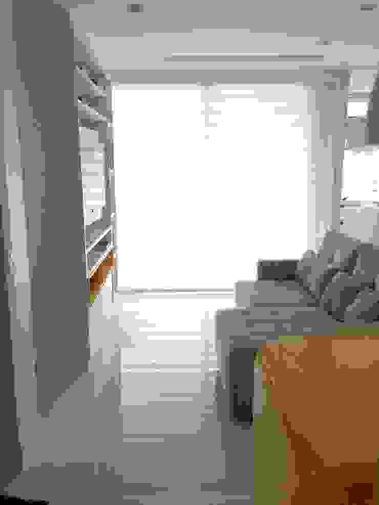 Studio Salas de estar modernas por Adriana Fiali e Rose Corsini - FICODesign Moderno
