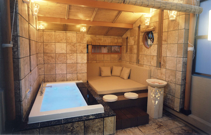 四季を満喫できる和モダンな住宅: 一級建築士事務所 (有)BOFアーキテクツが手掛けた浴室です。,オリジナル
