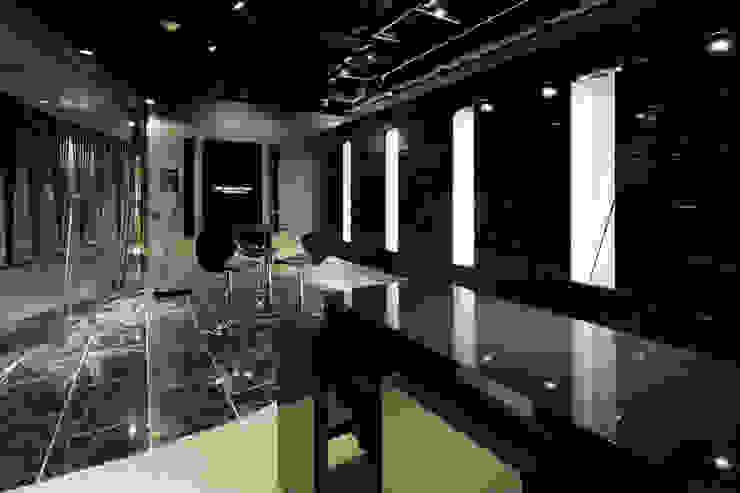 seven dreamers ginza tokyo: atelier mが手掛けた現代のです。,モダン 石