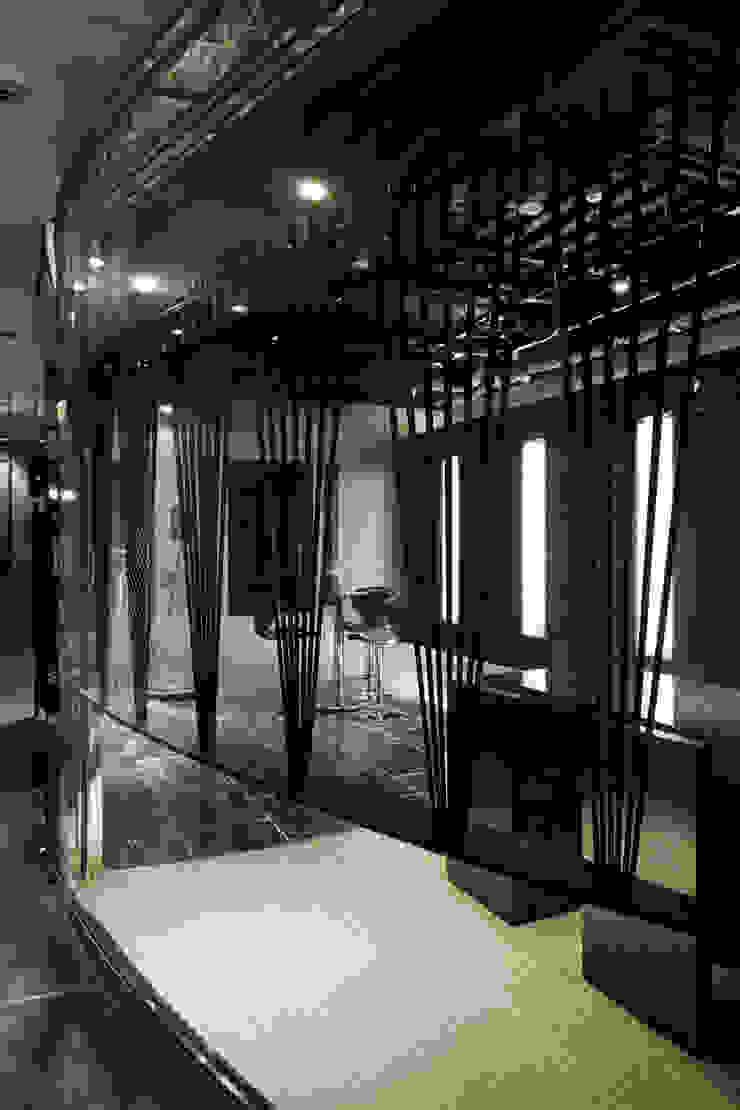 ginzaショールーム: atelier mが手掛けた現代のです。,モダン