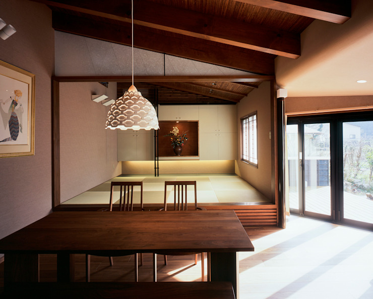 Eclectic style dining room by 伊藤瞬建築設計事務所 Eclectic