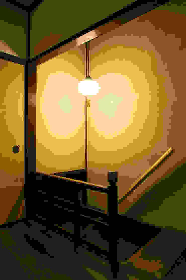 現代に息づく京都の町家 和風の 玄関&廊下&階段 の 一級建築士事務所 (有)BOFアーキテクツ 和風