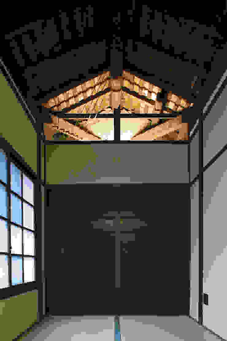 現代に息づく京都の町家 和風デザインの 多目的室 の 一級建築士事務所 (有)BOFアーキテクツ 和風