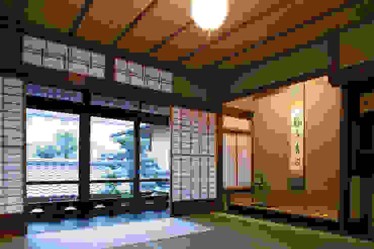 現代に息づく京都の町家 和風デザインの リビング の 一級建築士事務所 (有)BOFアーキテクツ 和風
