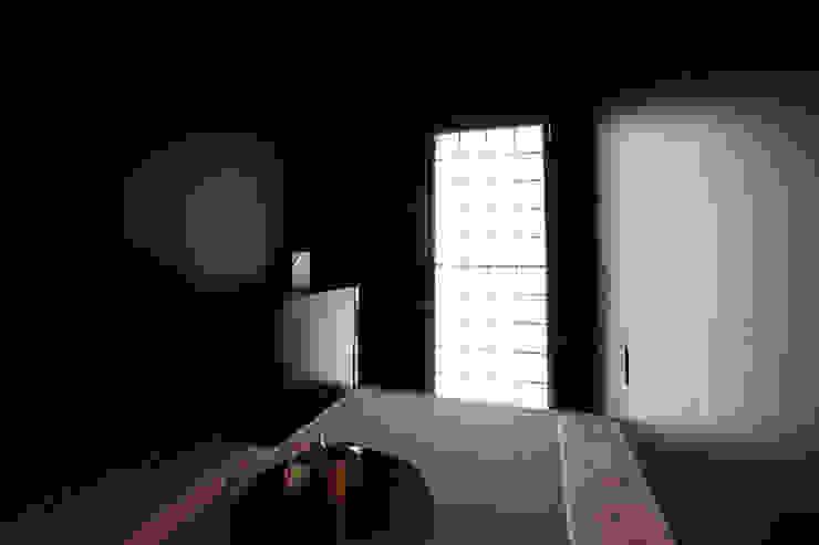 酒部屋 モダンデザインの ワインセラー の atelier m モダン