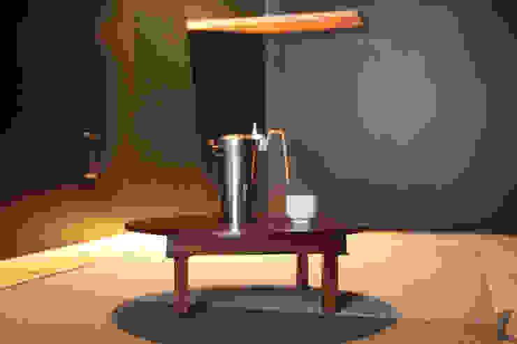 酒部屋 モダンデザインの テラス の atelier m モダン