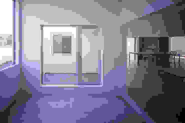 モンタージュ モダンスタイルの寝室 の Smart Running一級建築士事務所 モダン