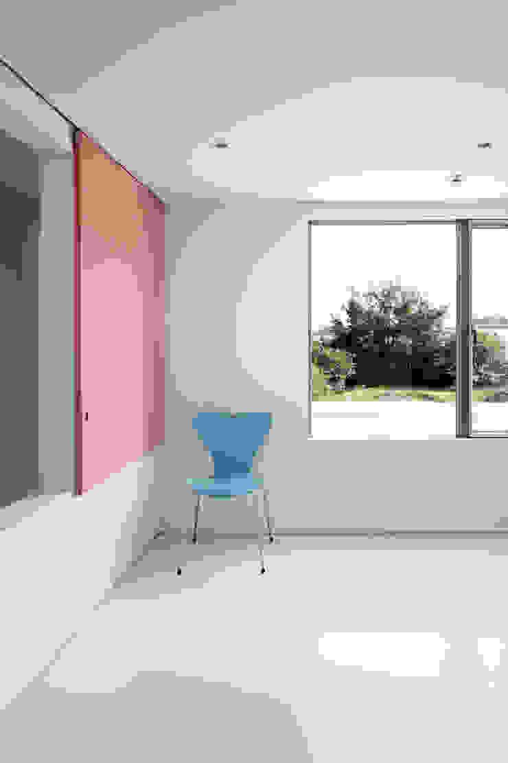 ループ&ループ モダンスタイルの寝室 の Smart Running一級建築士事務所 モダン