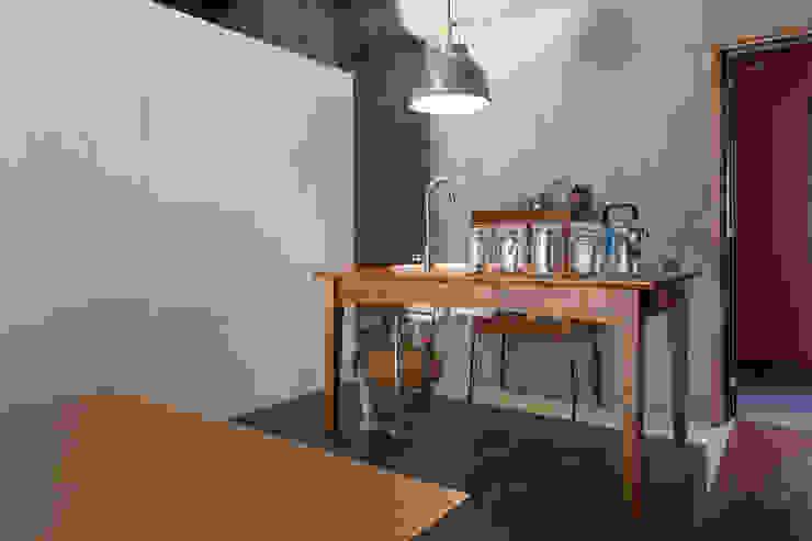 千葉の事務所 コンバージョン オリジナルデザインの キッチン の Smart Running一級建築士事務所 オリジナル