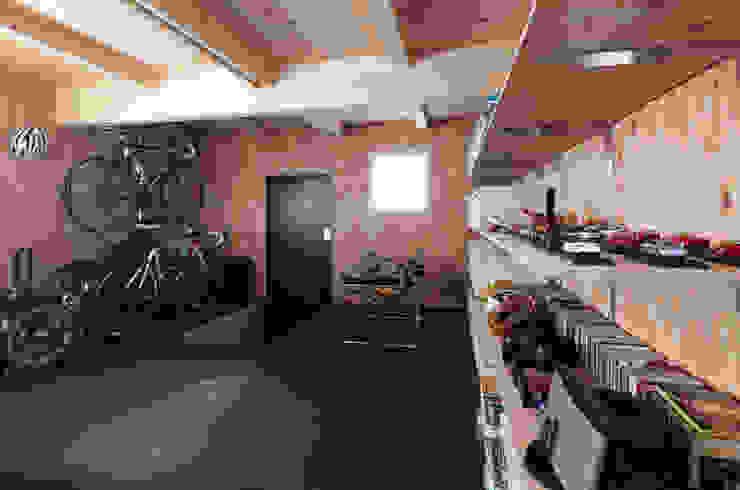 +Garage モダンデザインの ガレージ・物置 の 株式会社コウド一級建築士事務所 モダン