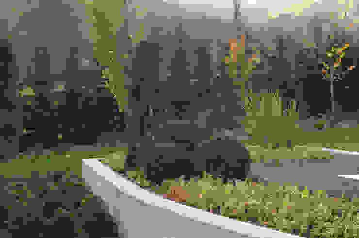 Ogród w górach Nowoczesny ogród od Pracownia Projektowa Architektury Krajobrazu Januszówka Nowoczesny