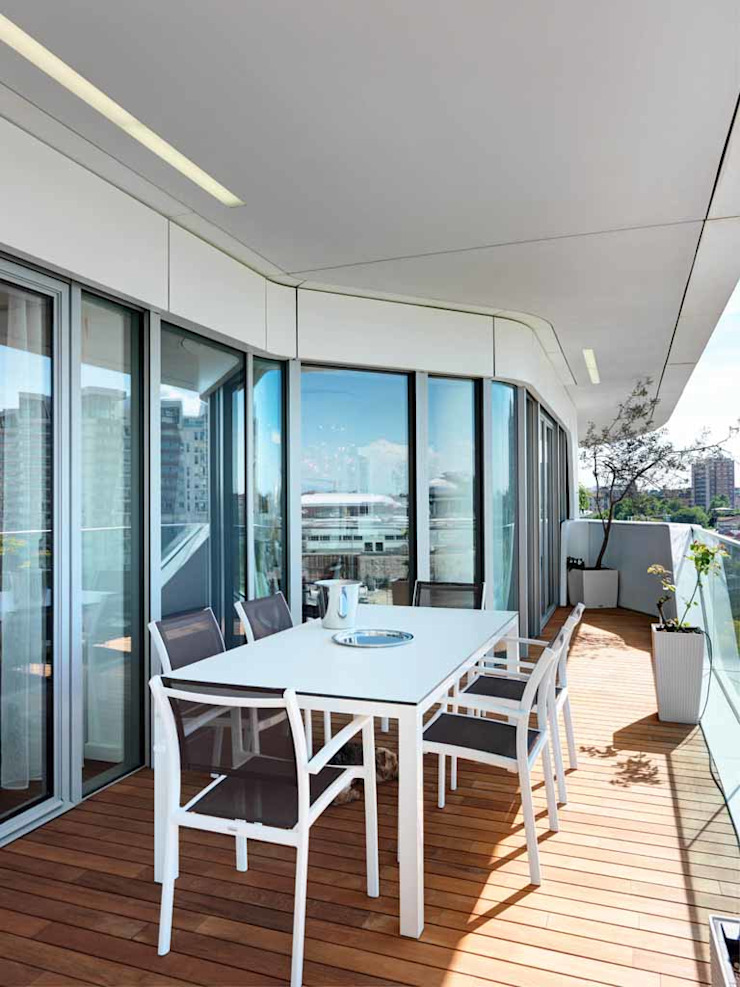 Studio Marco Piva Balkon, Beranda & Teras Modern