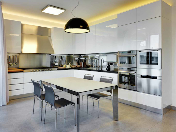 Kitchen by Studio Marco Piva, Modern