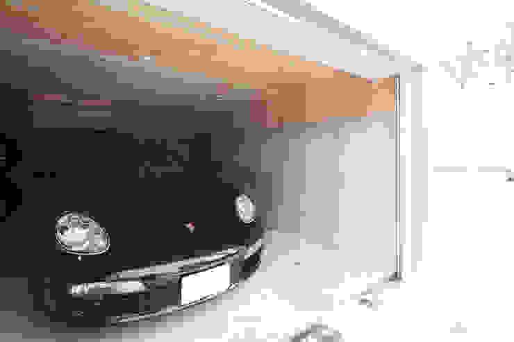 Modern garage/shed by 株式会社コウド一級建築士事務所 Modern