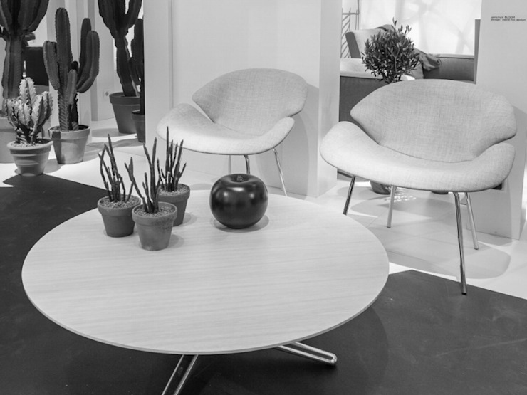 Bloom Chair and Tables de David Fox Design Ltd Moderno